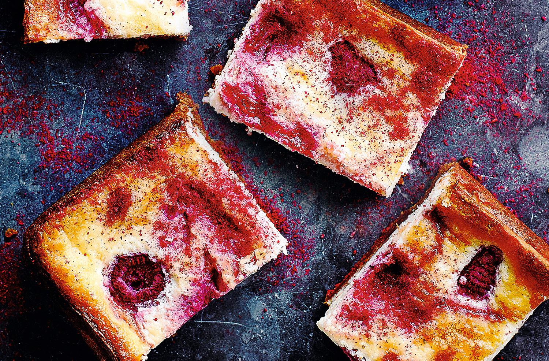 Raspberry ripple cheesecake bars